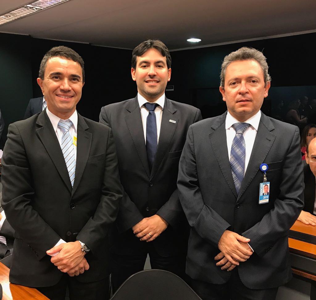 Criada comissão especial para o PL do teto remuneratório